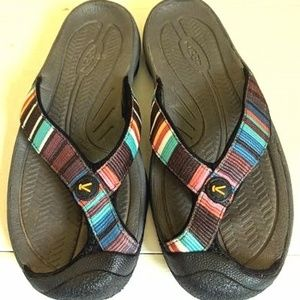 Keen Sandals Thongs Size 7
